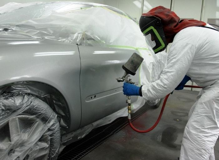 Фото процесса покраски авто в Пскове